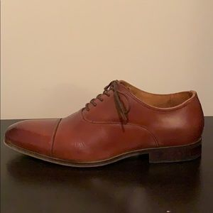 Florsheim Cap Toe Dress Shoes (8.5)